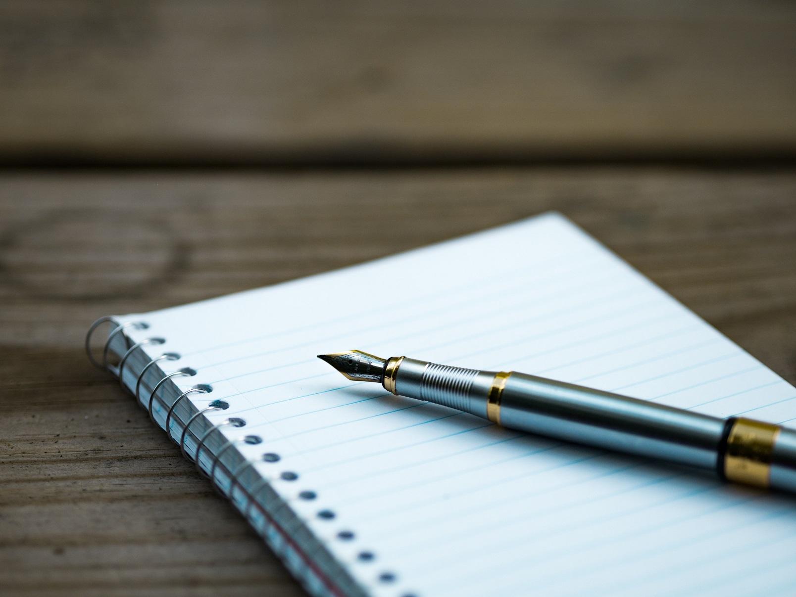 Füller und Schreibblock